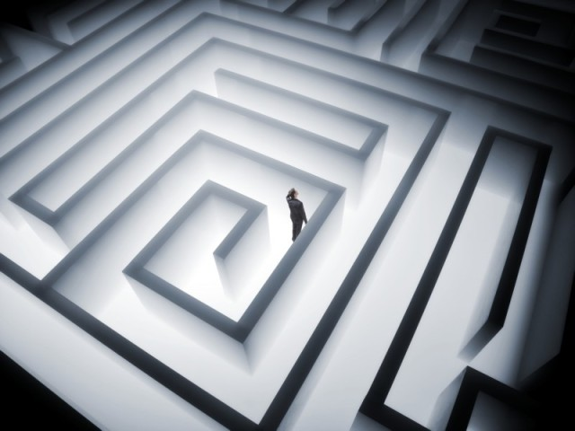 man-in-maze-navigating-e1403115344726