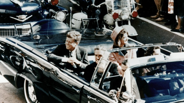 JFK_limousine-19631122-pubdom-wiki-640